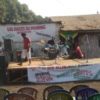 Préparation d'un show de rue