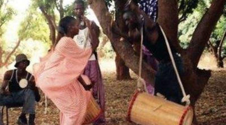 danse traditionnelle sur tambour